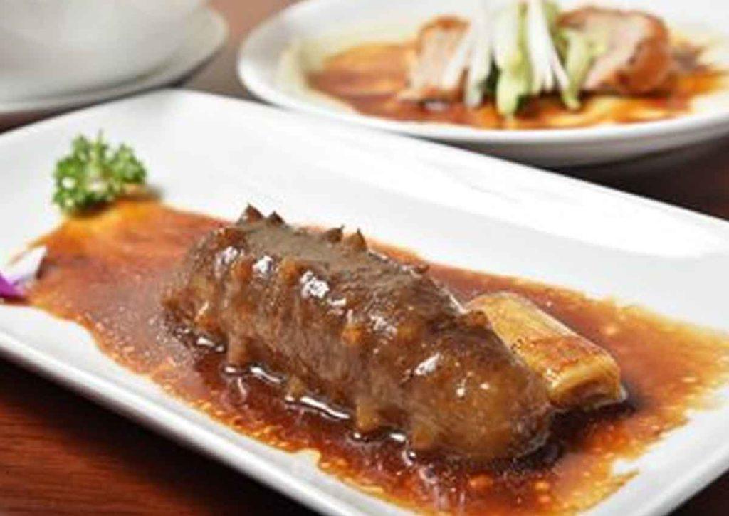 Selger ut «kinesisk delikatesse» på Gladmatfestivalen